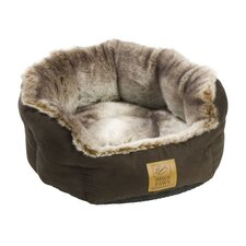 Arctic Fox Snuggle Pet Bed in Chocolate