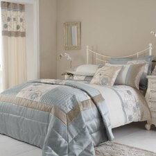 Alicia Bedding Collection