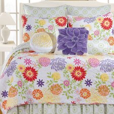 <strong>C & F Enterprises</strong> Lilly Quilt Collection