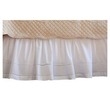 <strong>Taylor Linens</strong> Tailored Pinefore Bed Skirt