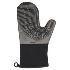 Silicone Oven Mitt in Licorice