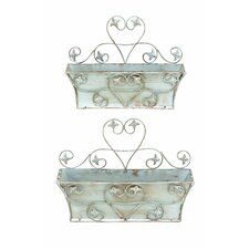 <strong>Woodland Imports</strong> Classic Metal Wall Planter (Set of 2)