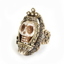 <strong>Sweet Romance</strong> Skull Queen Ivory Ring