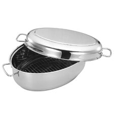 "<strong>Cuisinox</strong> 15.2"" x 10"" Covered Oval Roaster"