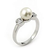 <strong>Plutus Partners</strong> Sterling Silver Synthetic Cultured Pearl Ring