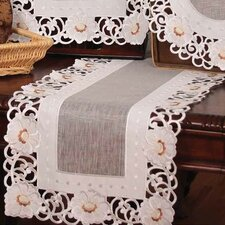 <strong>Xia Home Fashions</strong> Victorian Elegance Table Runner