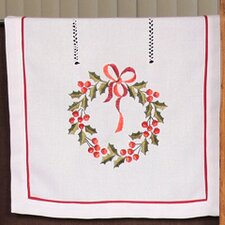 <strong>Xia Home Fashions</strong> Country Wreath Embroidered Hemstitch Holiday Placemat (Set of 4)