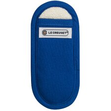 <strong>Le Creuset</strong> Handle Mitt