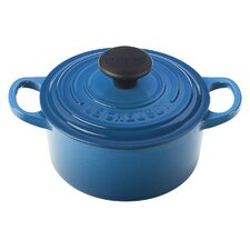 <strong>Le Creuset</strong> Cast Iron Signature Round French Oven