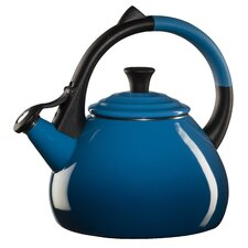 <strong>Le Creuset</strong> Oolong 1.9-qt. Tea Kettle