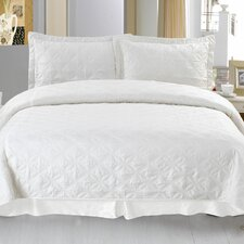 <strong>Lavish Home</strong> Andrea Embroidered Quilt Set