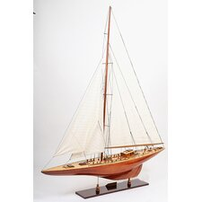 <strong>Old Modern Handicrafts</strong> Endeavour 40 Model Boat