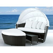 <strong>Beliani</strong> SYLT LUX Covered Daybed with Cushion