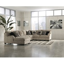 <strong>Signature Design by Ashley</strong> Hamlet Sectional