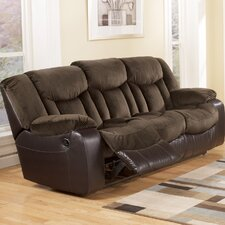 <strong>Signature Design by Ashley</strong> Bay and Reclining Sofa