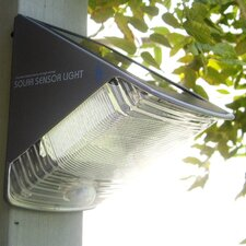 Integrated Solar Sensor Light