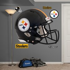 <strong>Fathead</strong> NFL Revolution Helmet Wall Decal