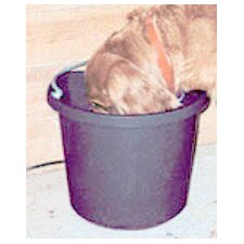 5 Gallon Rubber Heated Bucket in Black