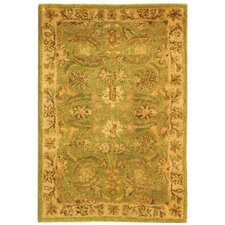 <strong>Safavieh</strong> Antiquities Green/Ivory Rug