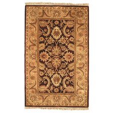 <strong>Safavieh</strong> Classic Dark Plum/Gold Rug