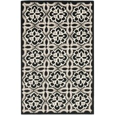 <strong>Safavieh</strong> Four Seasons Black / Ivory Rug