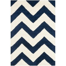 <strong>Safavieh</strong> Chatham Dark Blue/Ivory Chevron Rug