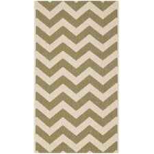 Courtyard Green/Beige Indoor/Outdoor Rug