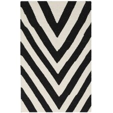 <strong>Safavieh</strong> Dhurries Black / Ivory Rug