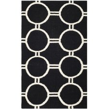 <strong>Safavieh</strong> Dhurries Black/Ivory Rug