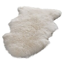 <strong>Safavieh</strong> Sheepskin White Rug