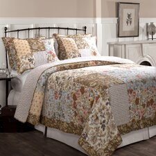 <strong>Greenland Home Fashions</strong> Camilla Quilt Set