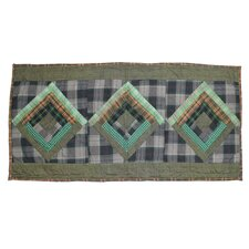<strong>Patch Magic</strong> Log Cabin Table Runner
