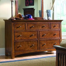 <strong>Lea Industries</strong> Elite Crossover 7 Drawer Dresser
