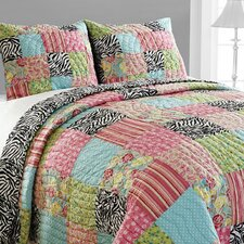 <strong>Amity Home</strong> Zebra Patchwork Quilt Set