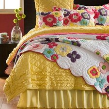 <strong>Amity Home</strong> Katie Quilt Collection