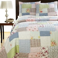 <strong>Amity Home</strong> Lattice Patchwork Quilt Set