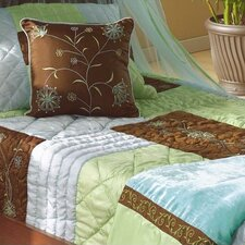 <strong>Bacati</strong> Botanika Quilt Collection