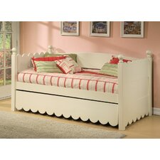 <strong>Alligator</strong> Scallop Daybed with Pop Up Trundle