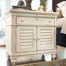 <strong>Paula Deen Home</strong> Steel Magnolia 1 Drawer Nightstand