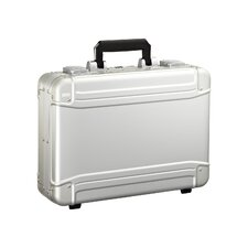 "<strong>Zero Halliburton</strong> Geo 16.5"" Attaché Case"