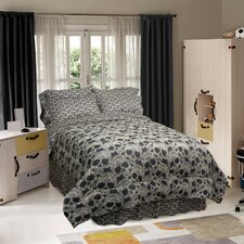 <strong>Veratex, Inc.</strong> Flower Skulls Comforter Set
