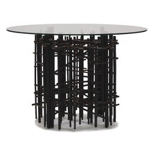<strong>Snug</strong> Maze Dining Table