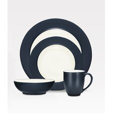<strong>Noritake</strong> Colorwave Rim 16 Piece Dinnerware Set