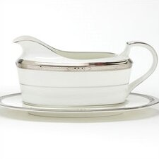 Chatelaine Platinum 16 oz. Gravy Dish With Tray