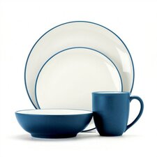 <strong>Noritake</strong> Colorwave 16 Piece Dinnerware Set