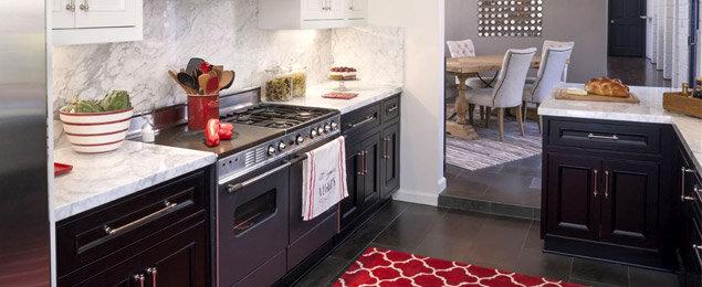 pop of red kitchen