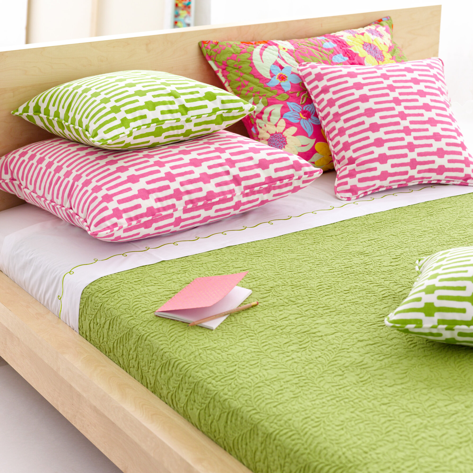 Lime Green Bedroom Accessories Lime Green Bedroom Ideas