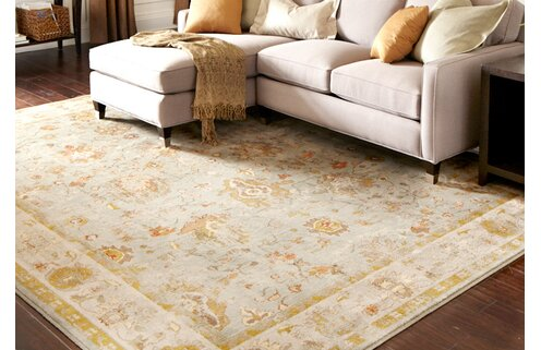 Always Elegant: Traditional-Style Rugs