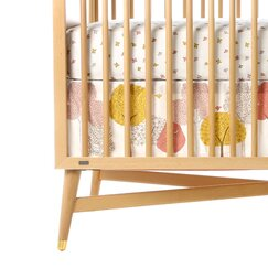 <strong></strong> Treetops Percale Crib Skirt