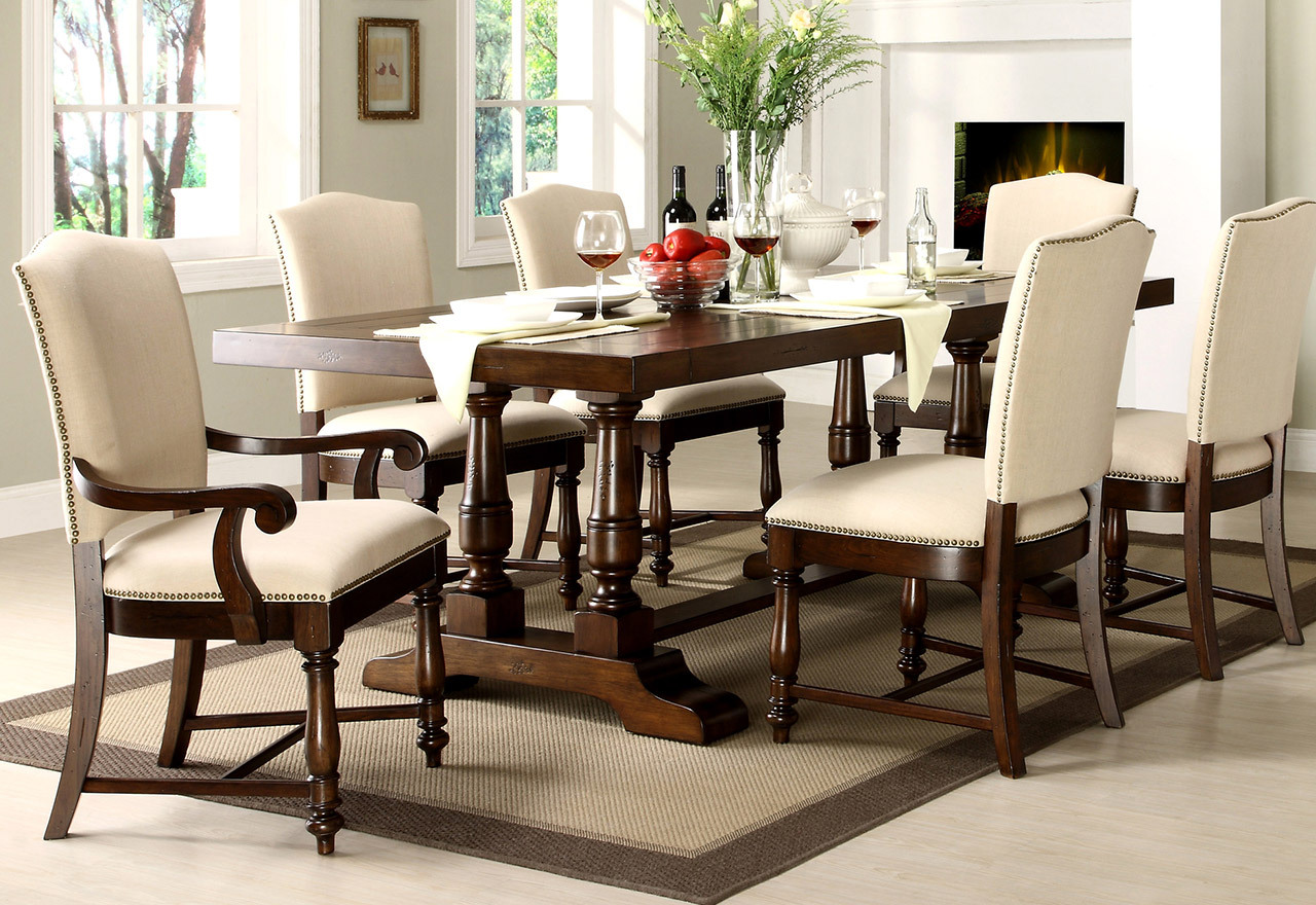 Touch of Traditional: Dining Room